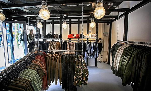 Verkaufsraum der Boutique Satoo Store im Parkhaus Kuckelke