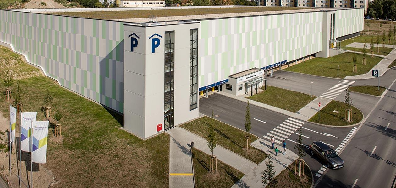 Parkhaus Universitätsklinikum Jena von schräg oben