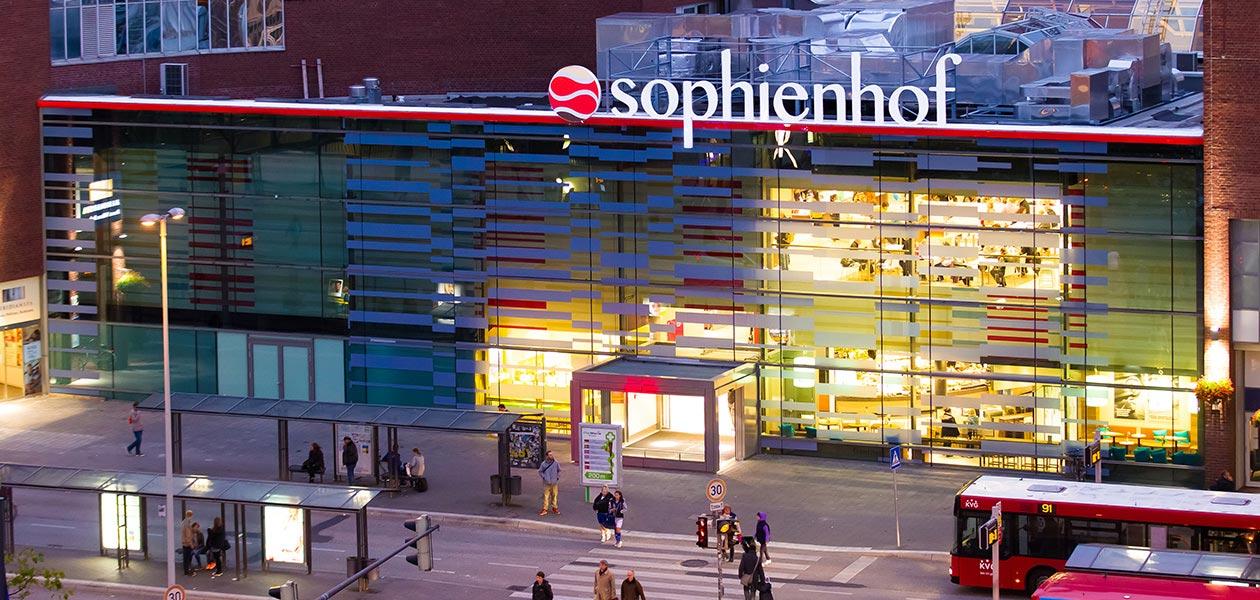 Frontansicht des Shopping-Centers Sophienhof in Kiel