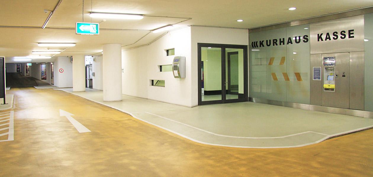 Kassenautomat mit Ausgang zum Kurhaus in der Tiefgarage Kurhaus Wiesbaden